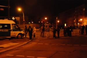 Auch diese gewaltige Blockade am Bernsbachplatz diente als Argument, die angemeldete Demonstration nicht durchzulassen.